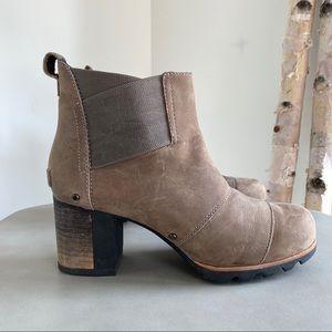 SOREL Addington Waterproof Chelsea Boot Size 9